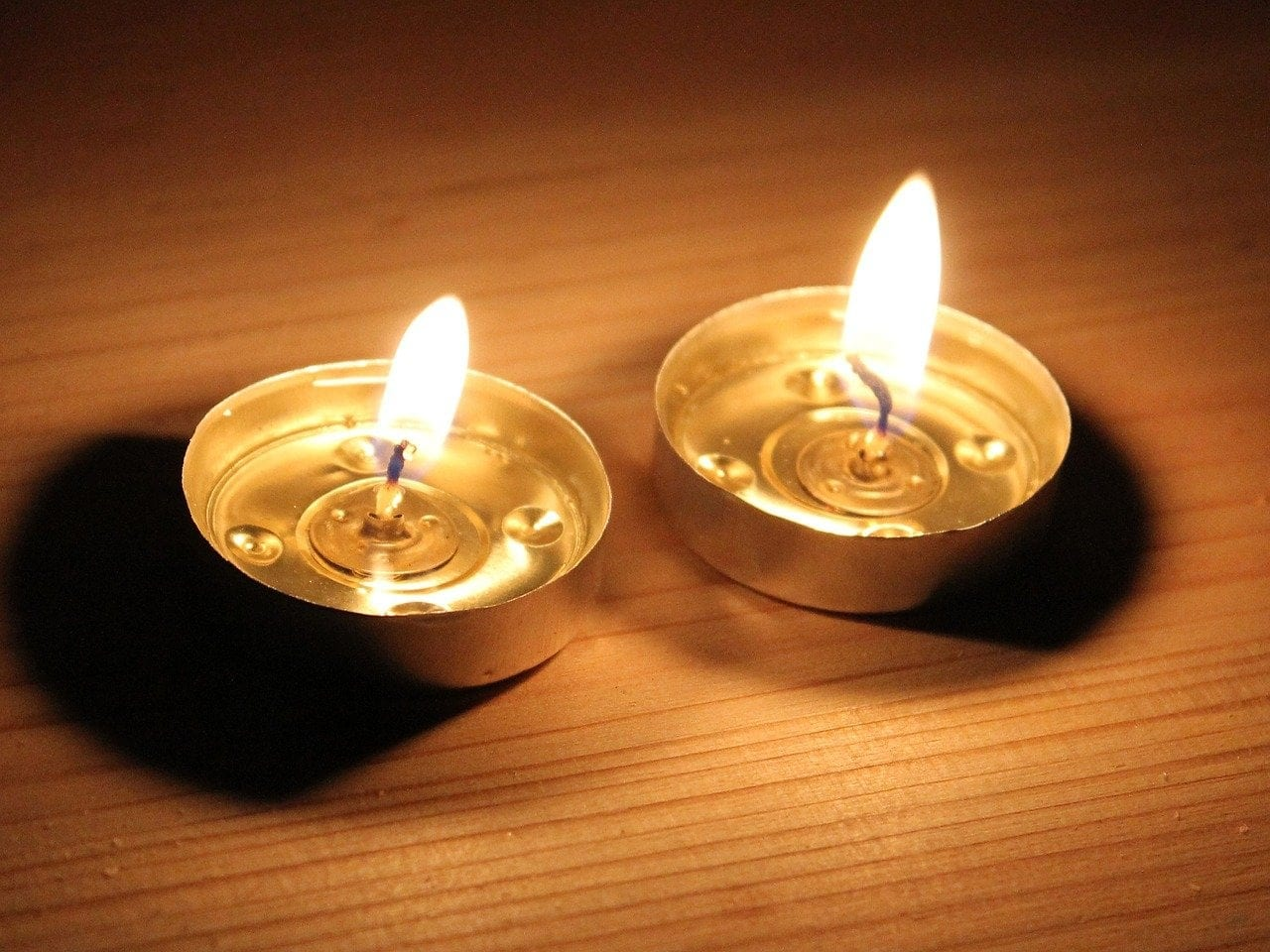 The mitzvah of lighting Shabbat candles