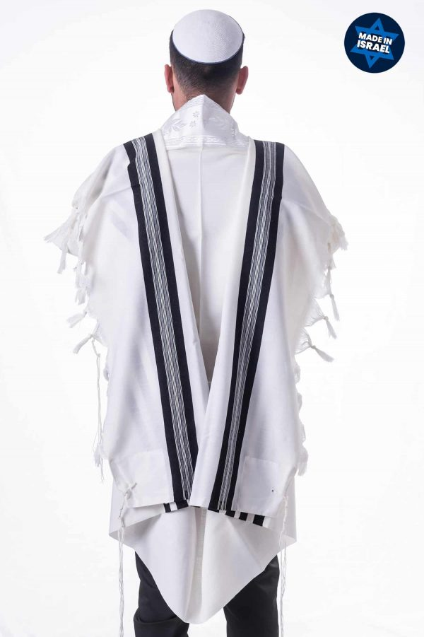 , Traditional Tallit with Black Stripes – Wool, Jewish.Shop