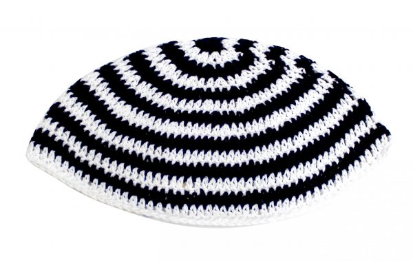 , Large Kippa – thick knitting – white and black (20 cm), Jewish.Shop